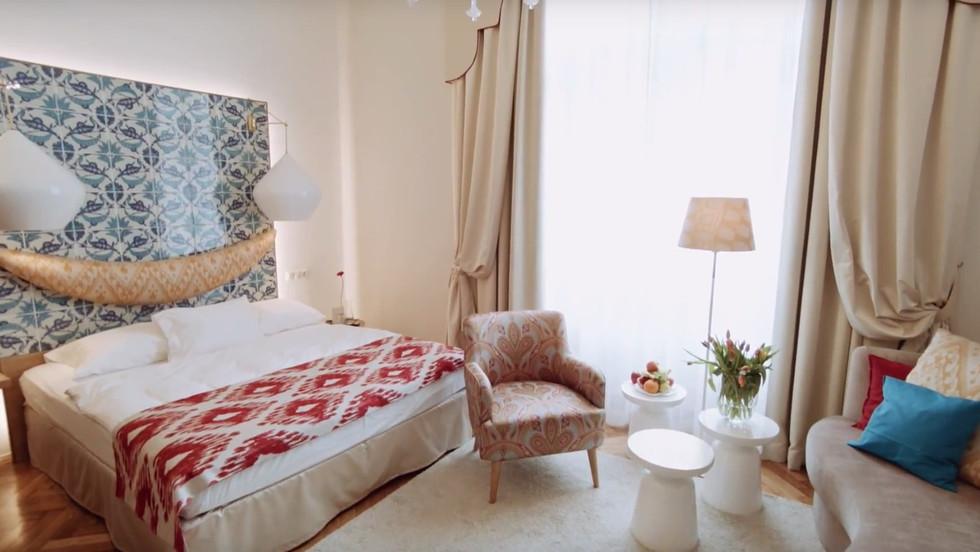 The oriental suite of fashion designer Atil Kutoglu
