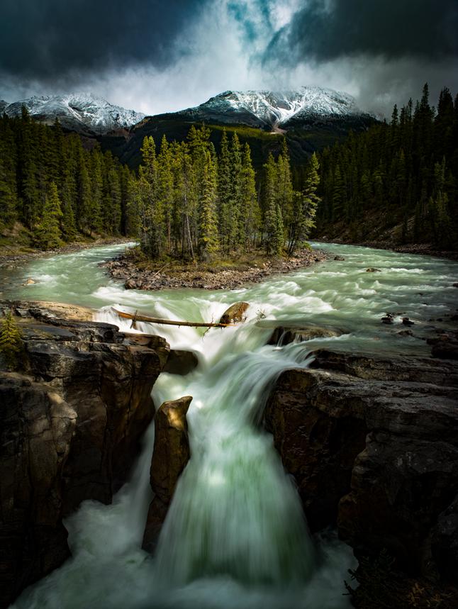 Sunwapta-Falls-Jasper-Canada.png