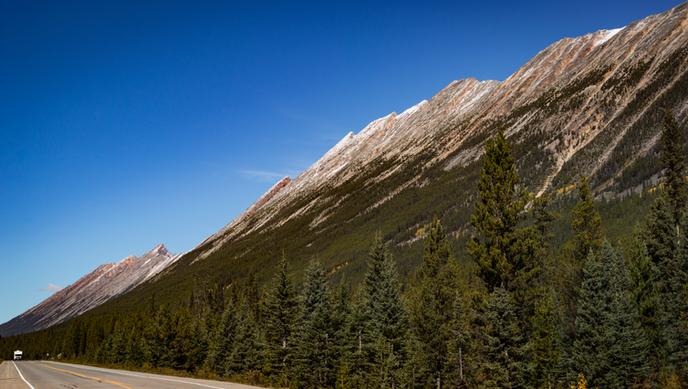 Just-how-big-Rockies-Canada.png