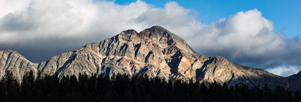 Pyramid-mountain-Jaspertif.png