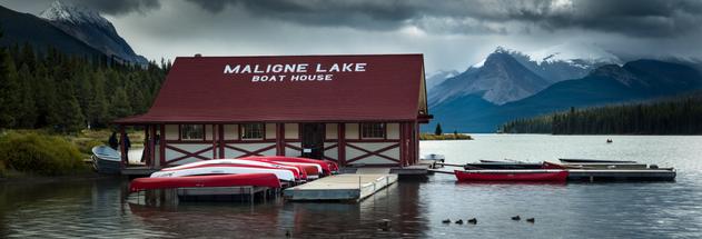 Maligne-Lake-Boat-House.png