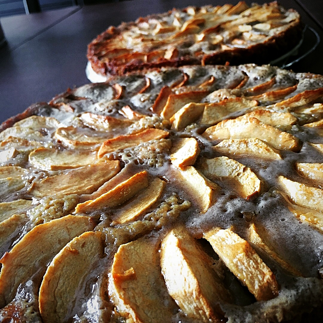 French Apple Torte