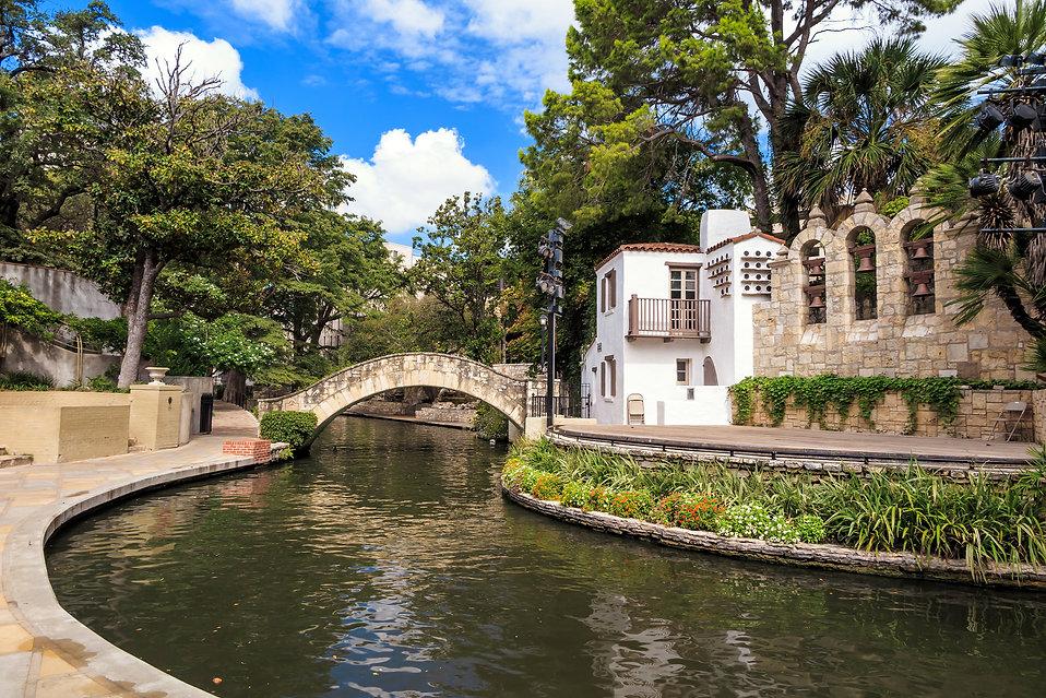 River Walk in San Antonio, Texas USA.jpg