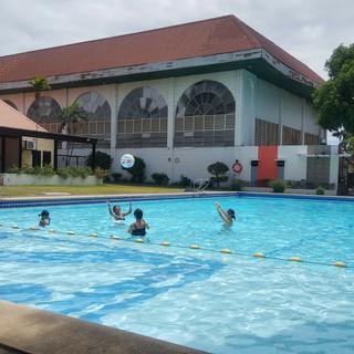 ビレッジ内のプール