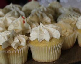 whiteCupcakes.JPG