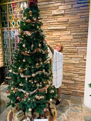 The Adventurer's Sunday School's tree is stunning.