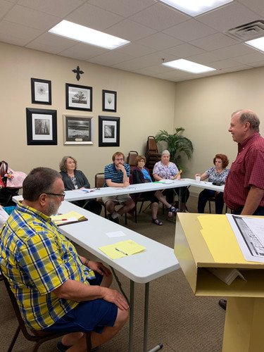 Pastor Mark leads Chapel Hill 101