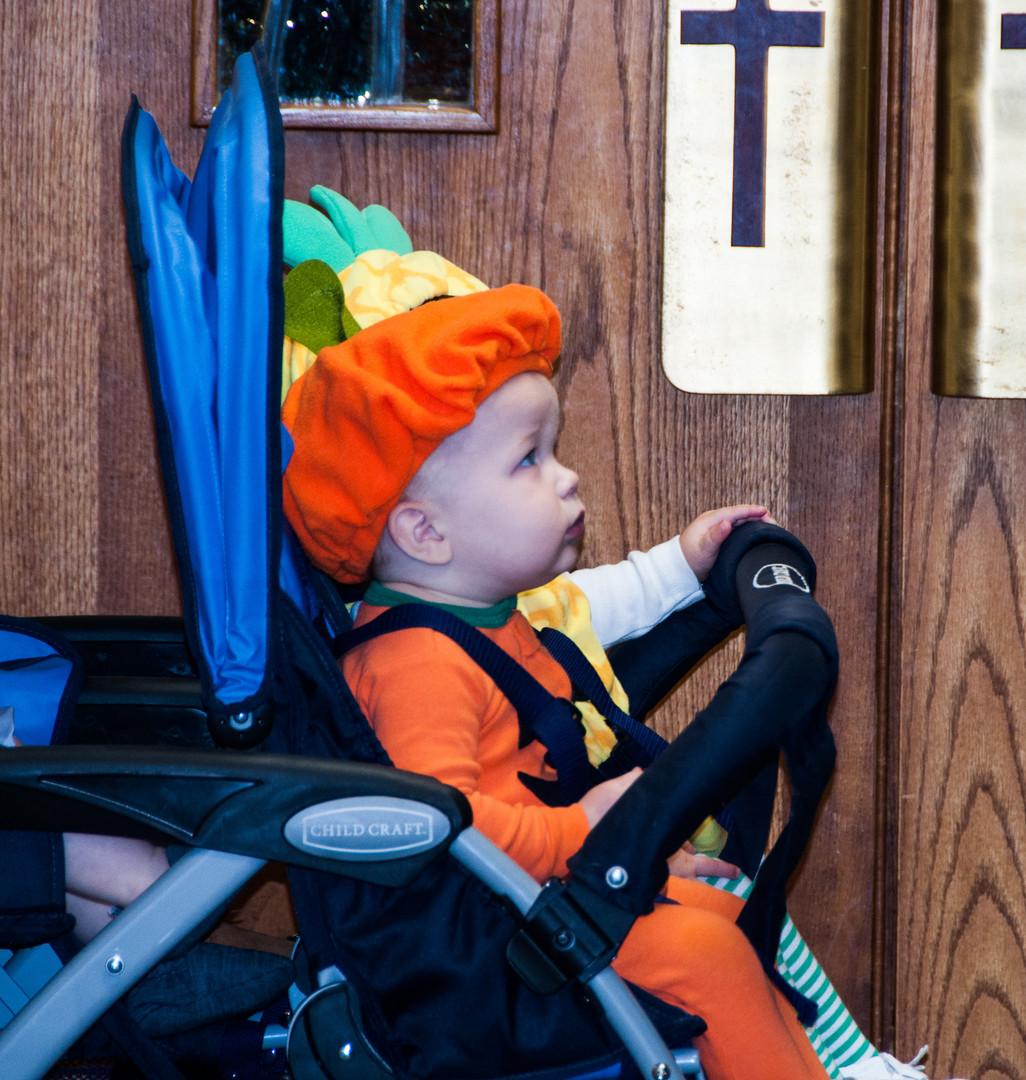 The mighty pumpkin strolls the halls.