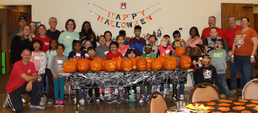 Love this pic! Thanks to all the volunteers!!!!