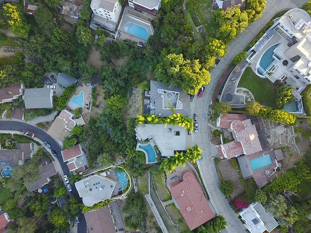 郊外の上空からの眺め