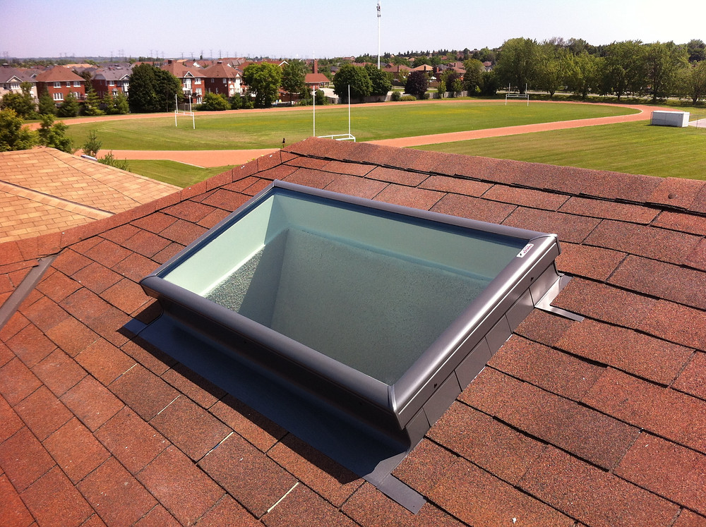 Velux Fixed FCM 2246 Skylight with ECL4646 Flashing Kit