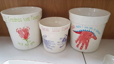 Planters - Medium Large Handprint Flower