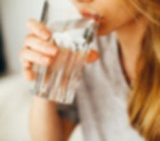 drink-drinking-female-1458671_bewerkt.jp