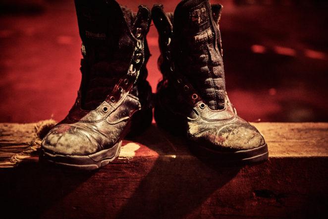 WaitingForGodot_Boots_Mark-Dawson-Photography-662x442