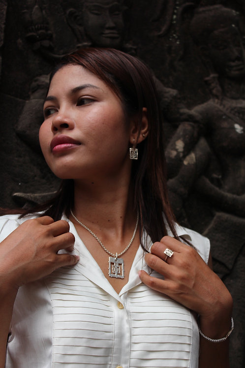 Silver BAYON temple pendant and 925 silver chain