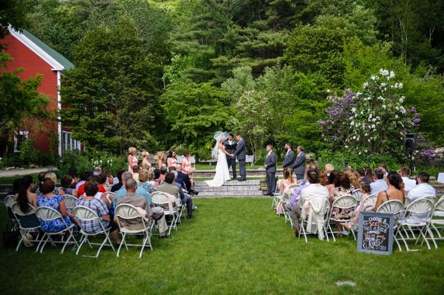 newfound-lake-wedding-ceremony-on-lawn.j