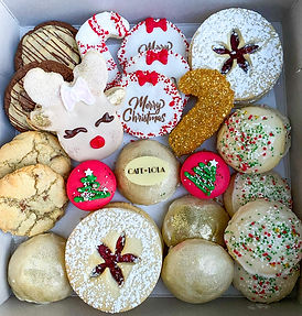Cafe lola holiday cookie box