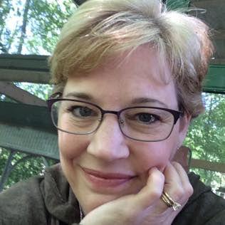 Kristin profile pic 2017.jpg