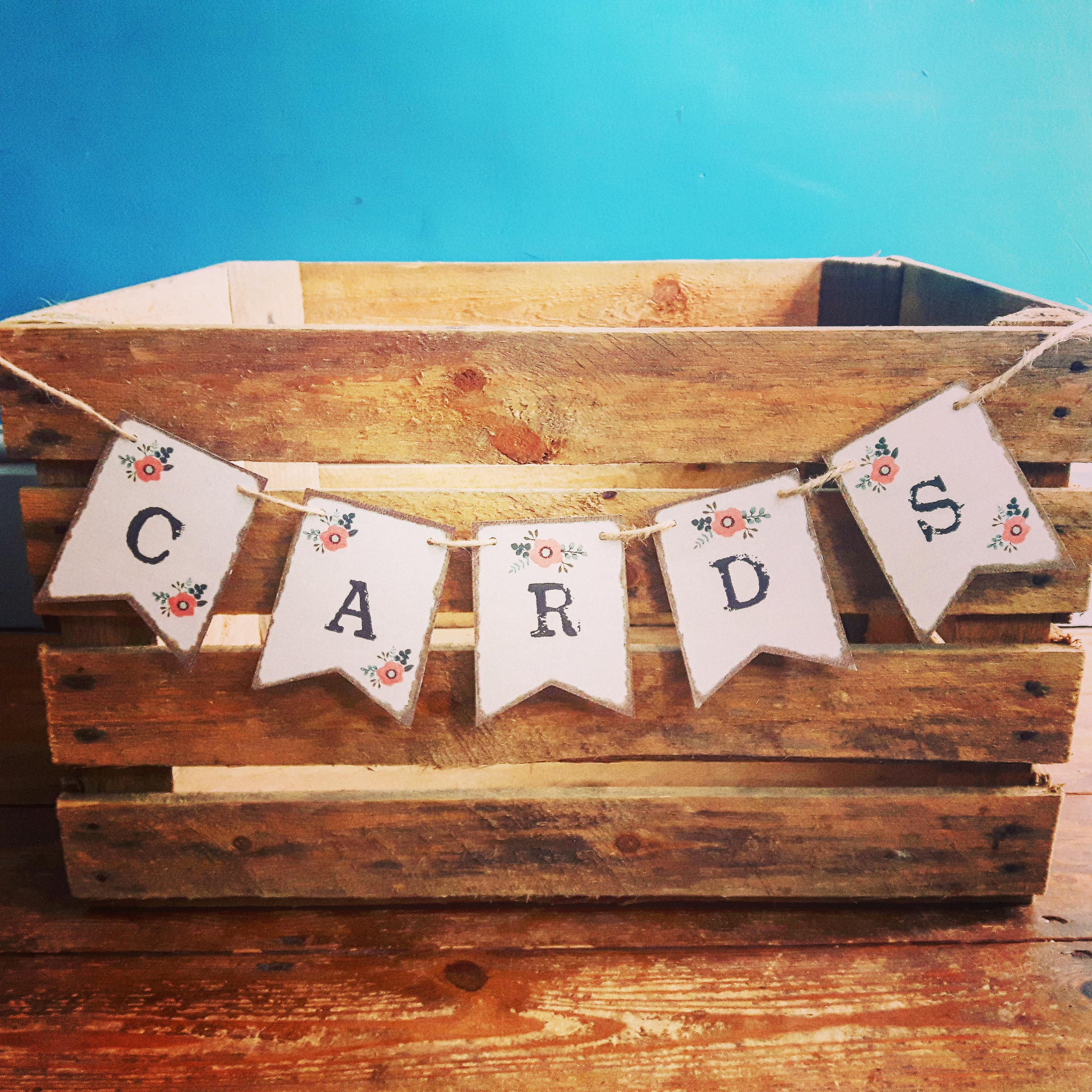 WOOD CRATE CARDS BOX