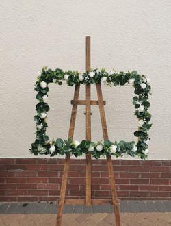 Faux foliage frame & easel