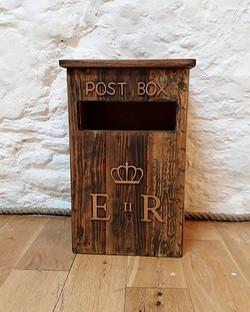 RUSTIC POST BOX