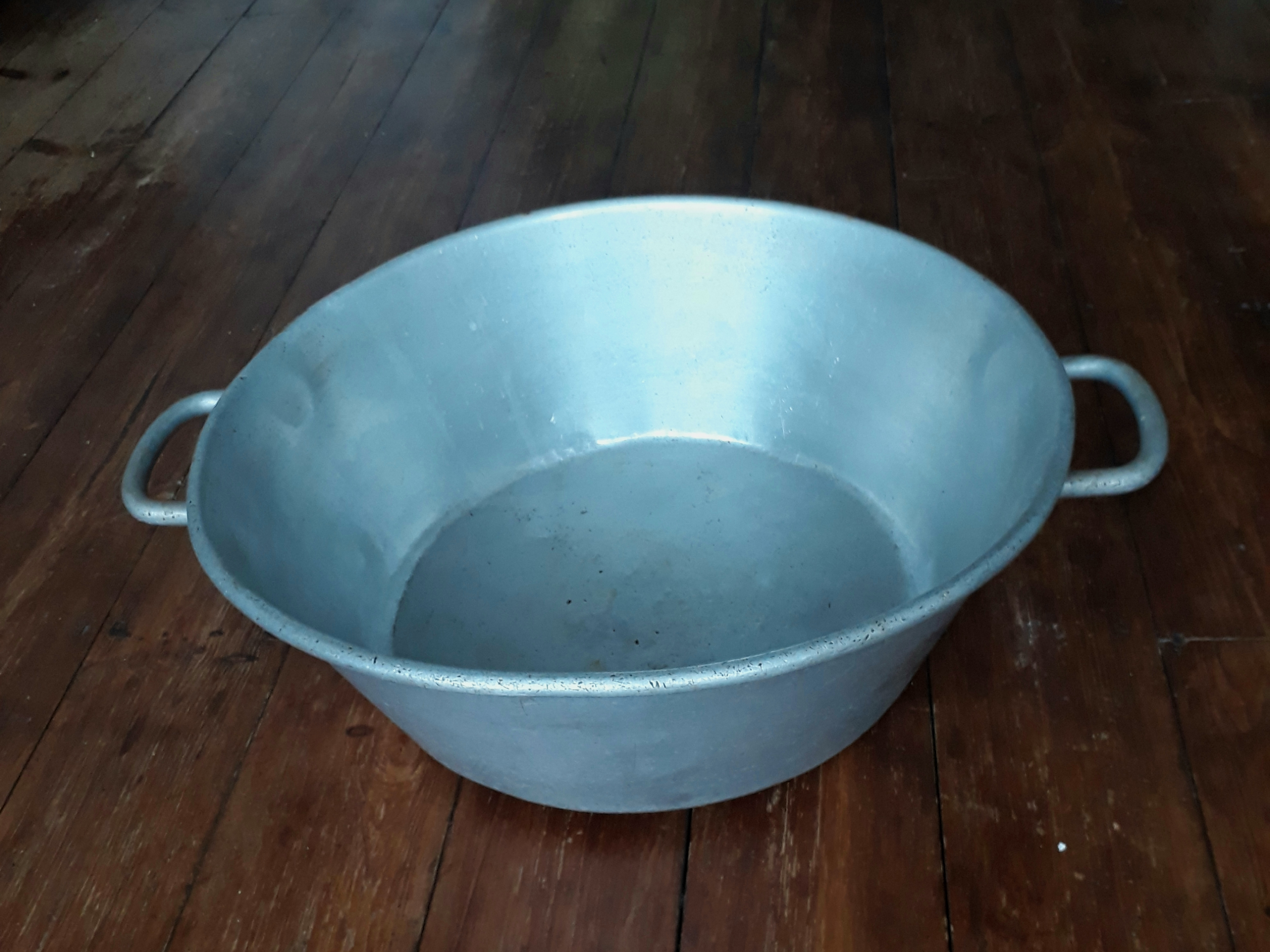 Vintage drinks bucket