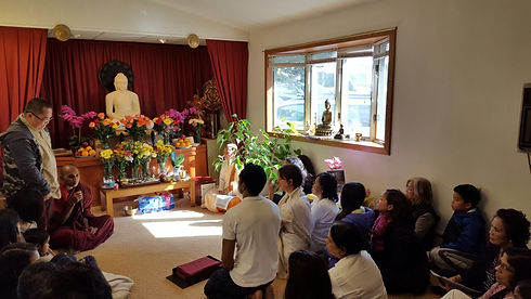 Bhante teaching.jpg