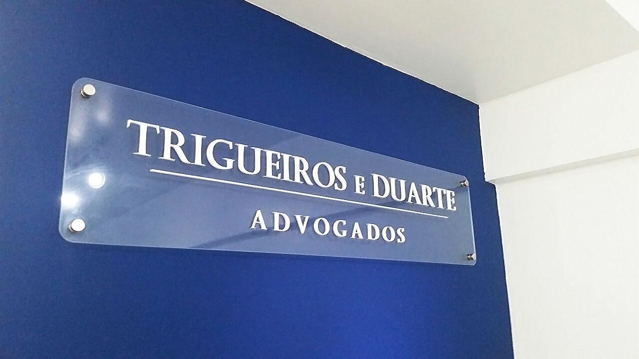 Letreiro Trigueros & Duarte