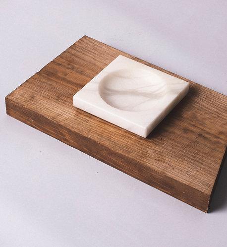 Plato pequeño, Plato de Alabastro, Salsera de piedra