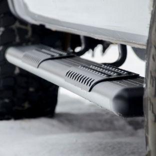 White-Truck-Snow-Black-Aluminum-O-Mega-I