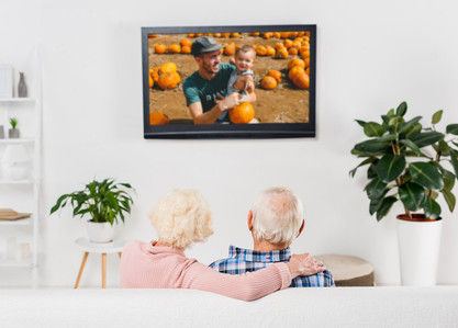Elderly couple enjoying MemoryViewsTV