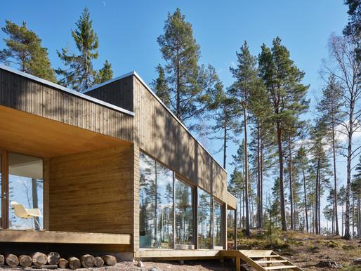 A minimalist Scandinavian lake house