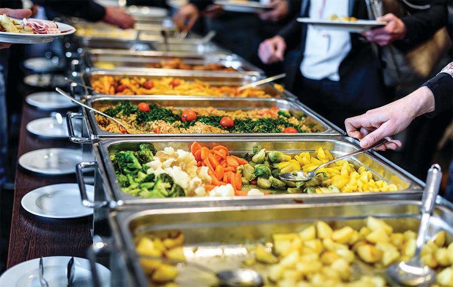 Buffet livre! 14 cupons para almoçar bem pagando menos em POA