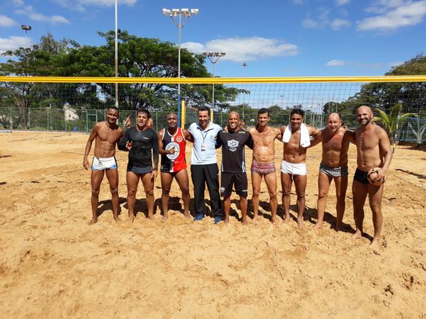 Ex-jogadores de futebol convocados para Futevolêi da Asbac