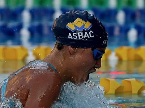 Recorde da atleta brasiliense no segundo dia do Troféu Maurício Bekenn de Natação