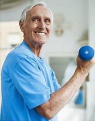 Musculação na terceira idade, previne sarcopenia e osteoporose, fortalecendo ossos, articulações e m