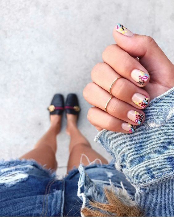 floral-flowers-nail-art-roses-manicure