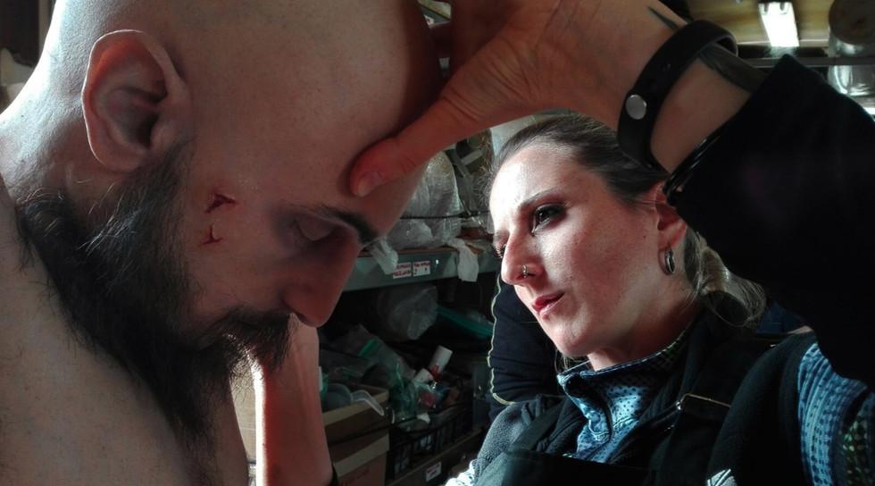 Collaborazione esterna di Valentina Visintin - Valentina ritocca il corpo di Marce