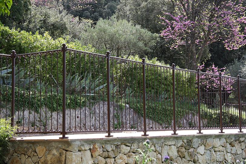 Barriere barri res en fer forg otour for Fer forge barriere