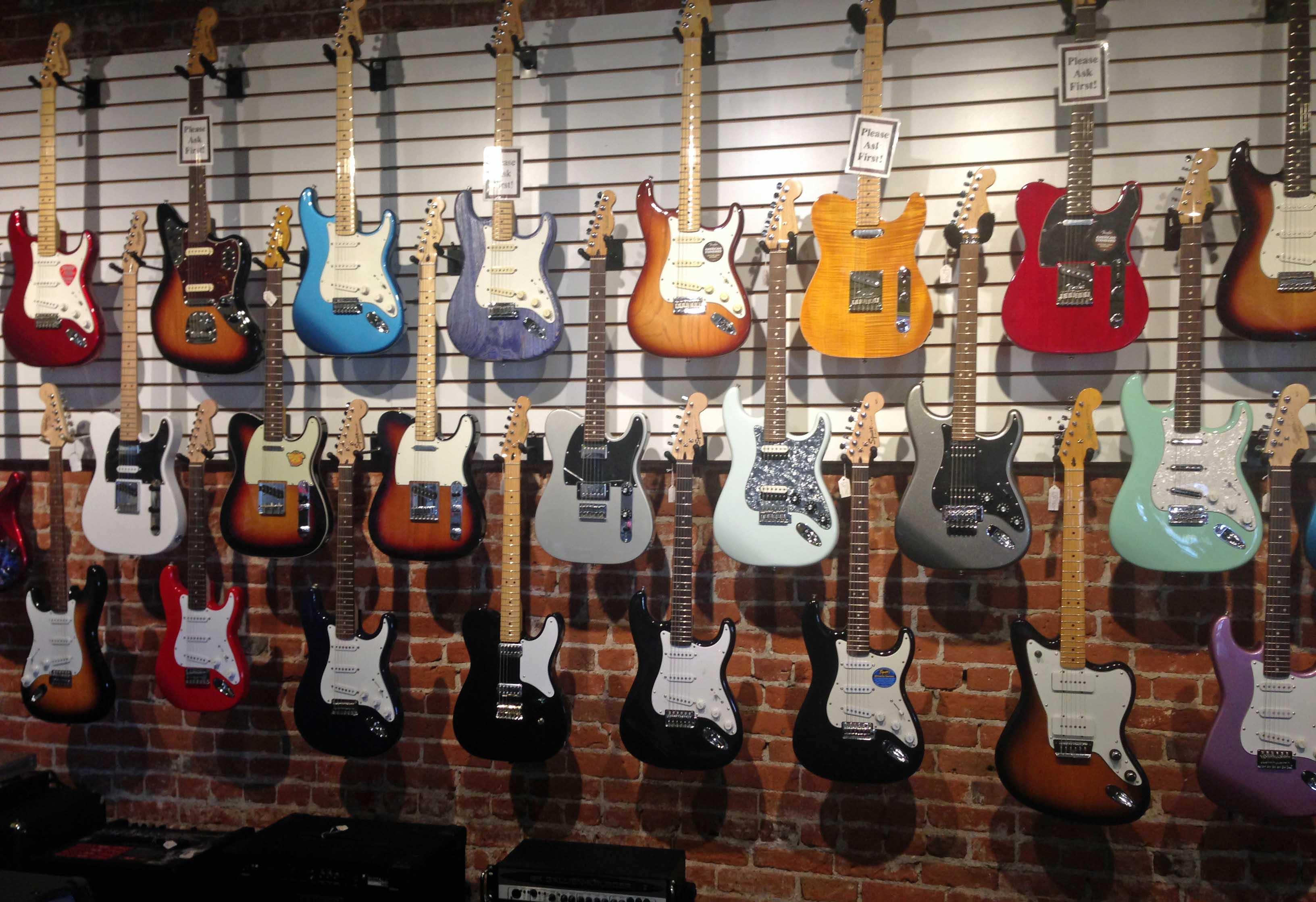 Fender Wall