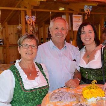 Foto Familie website_bearbeitet.jpg