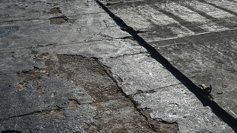 When to Repair or Replace Commercial Roofing