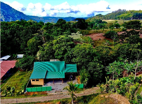 2 Bedroom Mountain Home in Tinamaste