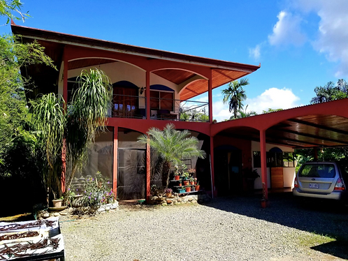 2-Story 3/2 with Large Pool in Platanillo