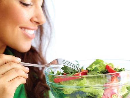Outubro Rosa: alimentação é aliada no combate ao câncer de mama