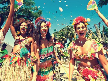 Pré-Carnaval: Água Mineral Santa Rita na mão e folia garantida!