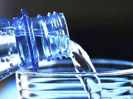 Água com gás: mitos e verdades