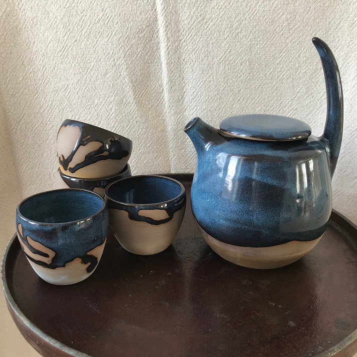 pottery teapot .jpeg