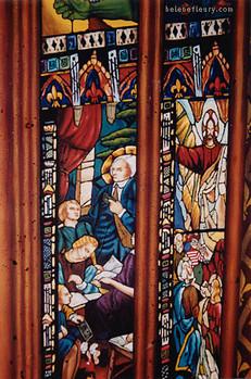 Fresque des piliers détail des vitraux