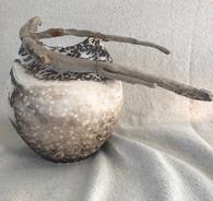 urne funéraire obvara et bois flotté